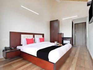 well-furnished room at Cottages@Village resort, Naukuchiatal