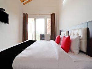 romantic couple rooms at Cottages@Village Naukuchiatal