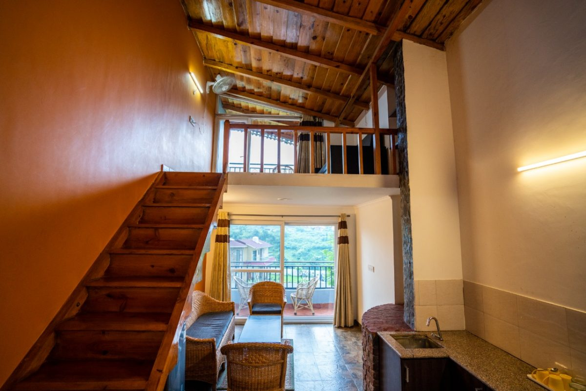 Cottages@Village Resort - Mezzanine Family Suite, Room in Naukuchiatal