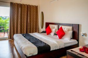 Cottages@Village Resort - Couples Retreat, romantic couple rooms in Naukuchiatal