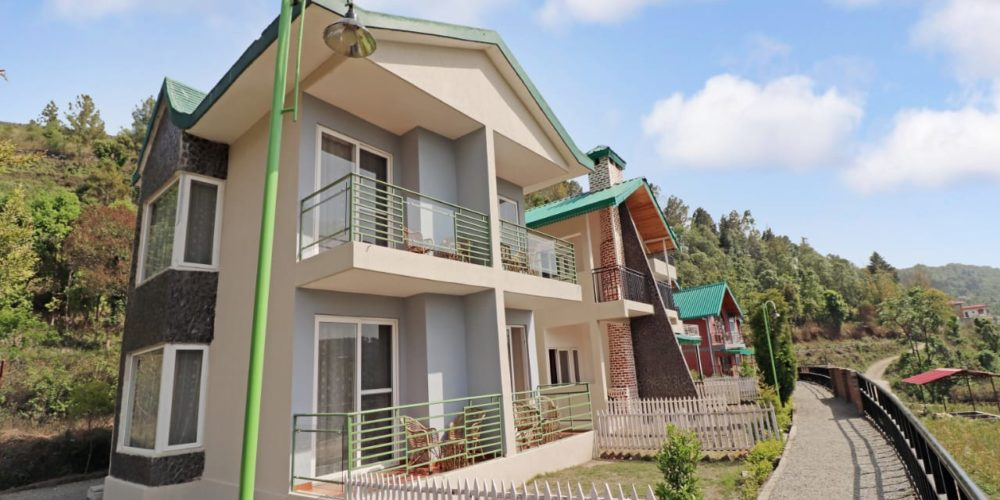 Beautiful nature resort at Cottages@Village resort Naukuchiatal Nainital